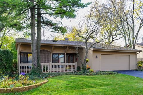623 Bryce, Roselle, IL 60172
