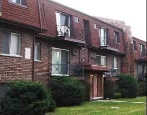 10461 Dearlove Unit GA, Glenview, IL 60025