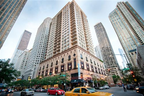 747 N Wabash Unit 602, Chicago, IL 60611 River North
