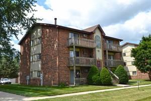 417 Berkshire Unit 36, Crystal Lake, IL 60014