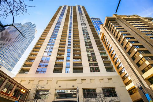 200 N Dearborn Unit 905, Chicago, IL 60601 Loop