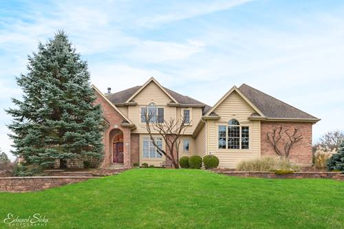 3 Bordeaux, Oakwood Hills, IL 60013