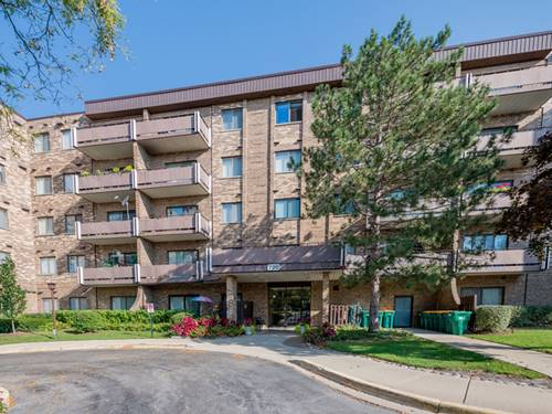 720 Wellington Unit 201, Elk Grove Village, IL 60007