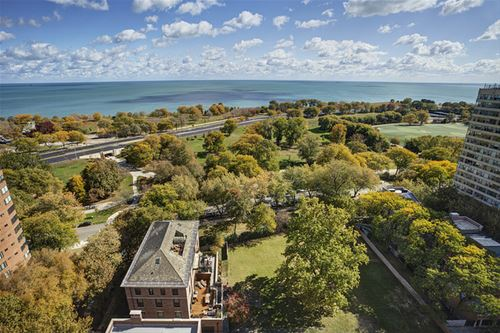 3010 N Lake Shore, Chicago, IL 60657 Lakeview