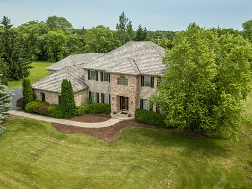186 Peregrine, Hawthorn Woods, IL 60047