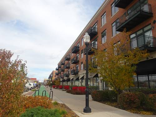 160 S River Unit 200, Aurora, IL 60506