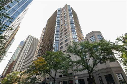 33 W Delaware Unit 17E, Chicago, IL 60610 Gold Coast