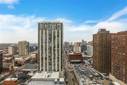 111 W Maple Unit 2201, Chicago, IL 60610 Near North
