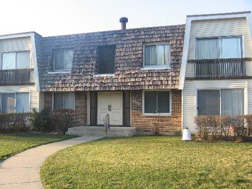 3018 Roberts Unit 7, Woodridge, IL 60517
