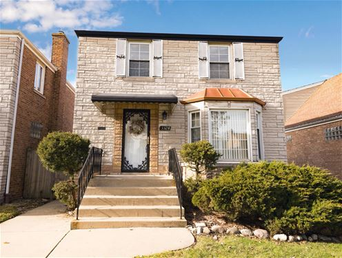 3324 N Pioneer, Chicago, IL 60634