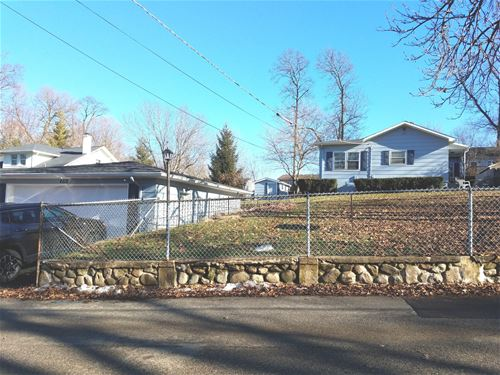 4818 Wildwood, Mchenry, IL 60051