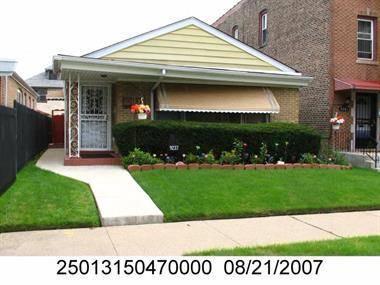 9237 S Euclid, Chicago, IL 60617 Pill Hill