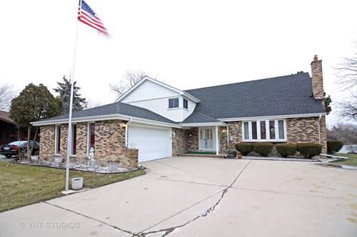 745 Oakwood, Westmont, IL 60559