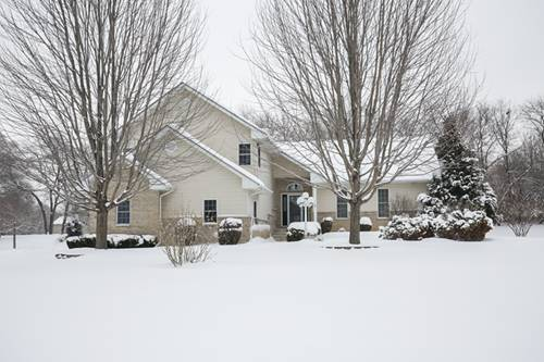 3016 Raccoon Cv, Island Lake, IL 60042