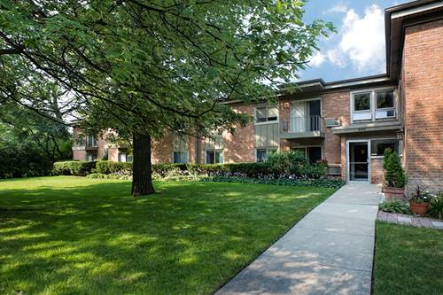 400 Green Bay Unit 203, Glencoe, IL 60022