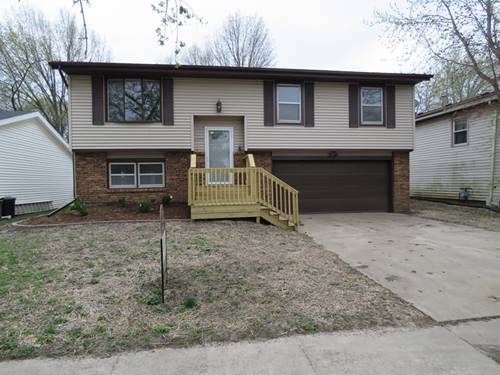 2203 Clearwater, Bloomington, IL 61704