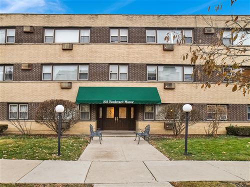 222 Washington Unit 302, Oak Park, IL 60302