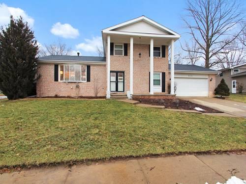 1104 Hollyridge, Bloomington, IL 61704