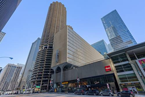 300 N State Unit 2104, Chicago, IL 60654 River North