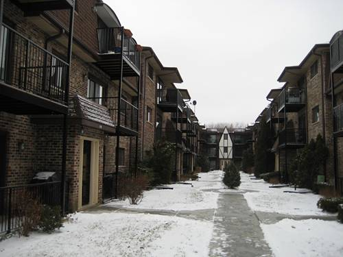 7608 W Lawrence Unit 1B, Harwood Heights, IL 60706