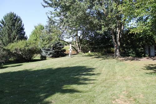 000 Greenview, Oakwood Hills, IL 60013