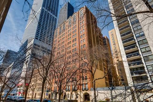 210 E Pearson Unit 11A, Chicago, IL 60611 Streeterville