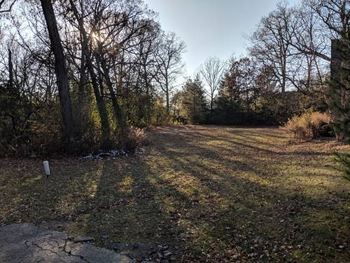 0S618 Forest, Winfield, IL 60190