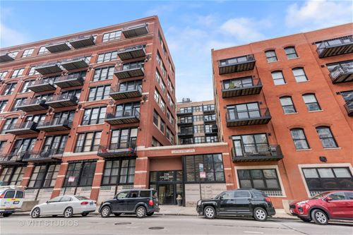 226 N Clinton Unit 107, Chicago, IL 60661