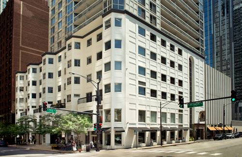 1 E Delaware Unit 23G, Chicago, IL 60611 Gold Coast