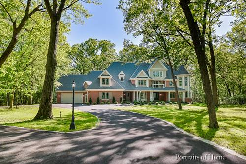 18 Squire, St. Charles, IL 60174
