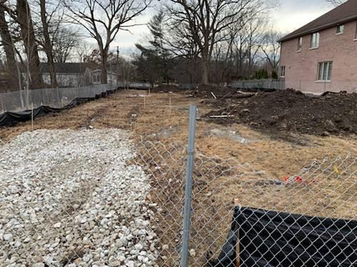 1025 E Red Oak, Addison, IL 60101