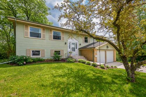 2S171 Huntington, Glen Ellyn, IL 60137