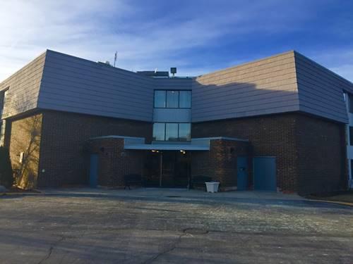 924 S Lake Unit 4-101, Westmont, IL 60559