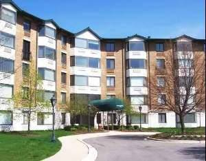 470 Fawell Unit 101, Glen Ellyn, IL 60137