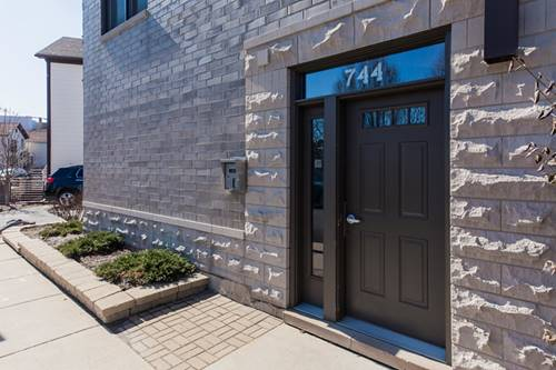 744 N Willard Unit 202, Chicago, IL 60642 Noble Square