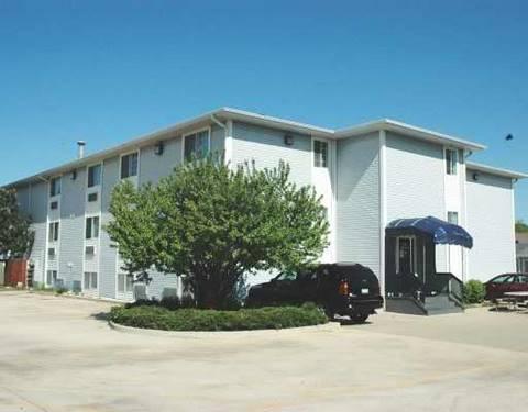 3170 W Monroe Unit 304, Waukegan, IL 60085