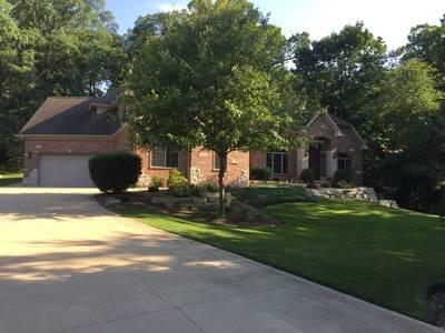27W475 Oak, Winfield, IL 60190