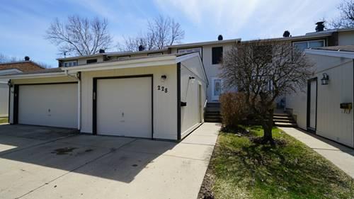 228 Pinewood, Bloomingdale, IL 60108