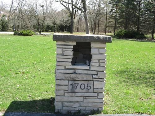 1705 Cambridge, Flossmoor, IL 60422