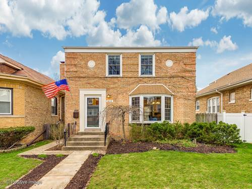 810 Portsmouth, Westchester, IL 60154