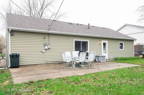 621 Arnold, Streamwood, IL 60107