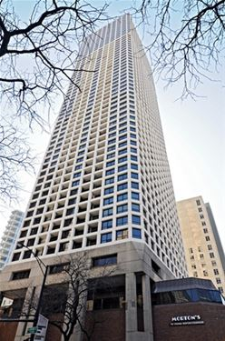 1030 N State Unit 7A, Chicago, IL 60610 Near North