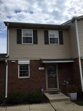 525 W Washington Unit 8, Lake Bluff, IL 60044