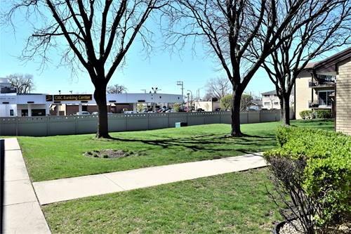 10524 S Keating Unit 203, Oak Lawn, IL 60453