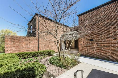 548 W Northwest Unit C, Palatine, IL 60067