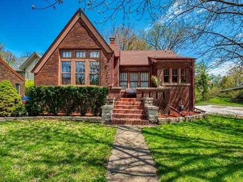 4 Harwood, Bloomington, IL 61701