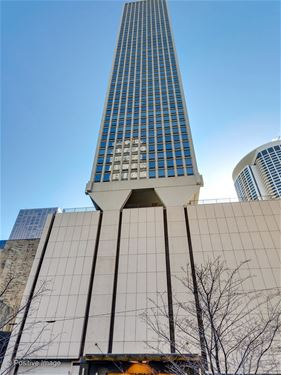 111 E Chestnut Unit 39H, Chicago, IL 60611 Gold Coast