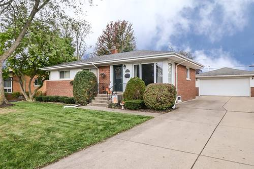 8 S Reuter, Arlington Heights, IL 60005