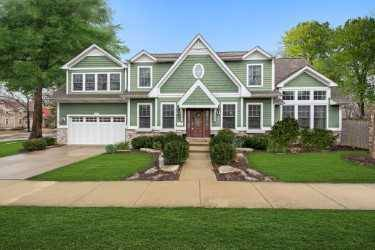 1537 Thornwood, Downers Grove, IL 60516