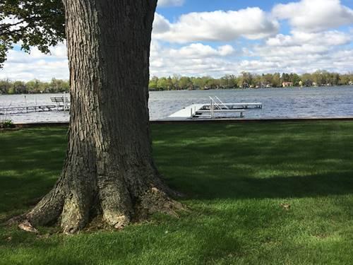 649 Woodland, Crystal Lake, IL 60014